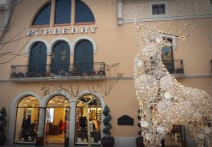 cuidatuimagen-la-roca-village-outlet-gifthunting-share-our-secret-vip-room-bloggers-meeting-christmas-shopping-24 Medium