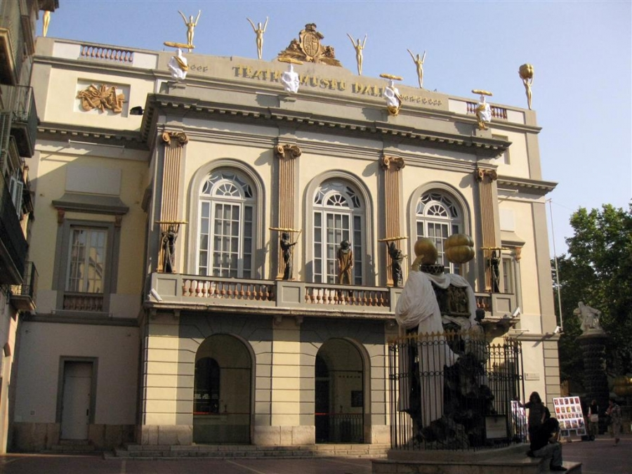 Museo Dali Figueres.Museo Dali In Figueres Excursion 977 39 05 05 Taxis Vila Seca